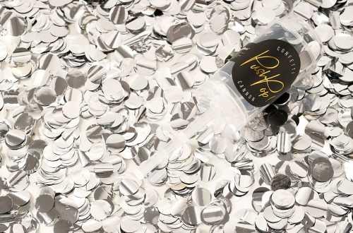 Lanceur de confettis argenté