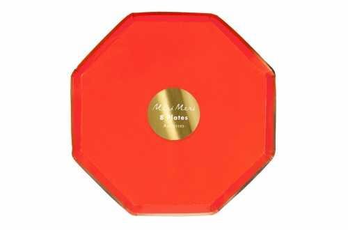 8 Assiettes octogonales rouge pastel à bord doré