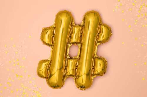 1 Petit ballon hashtag doré - 35 cm