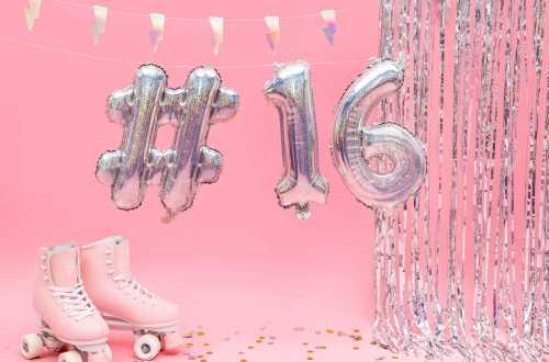 1 Petit ballon hashtag holographique - 35 cm