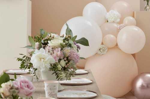 8 Assiettes fleuries pour baby shower