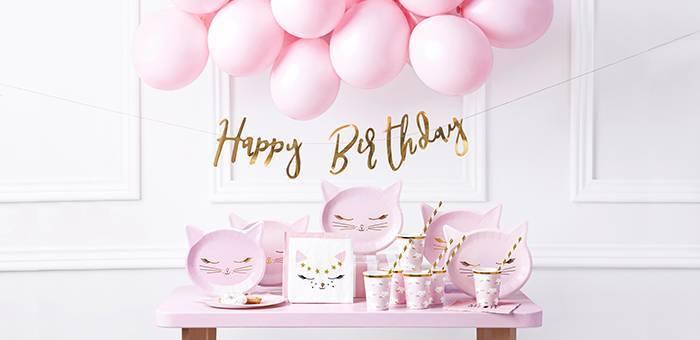 Toute la décoration originale pour un anniversaire sur le thème des chats